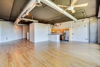Orchidhouse Lofts 404 • 602.549.9000
